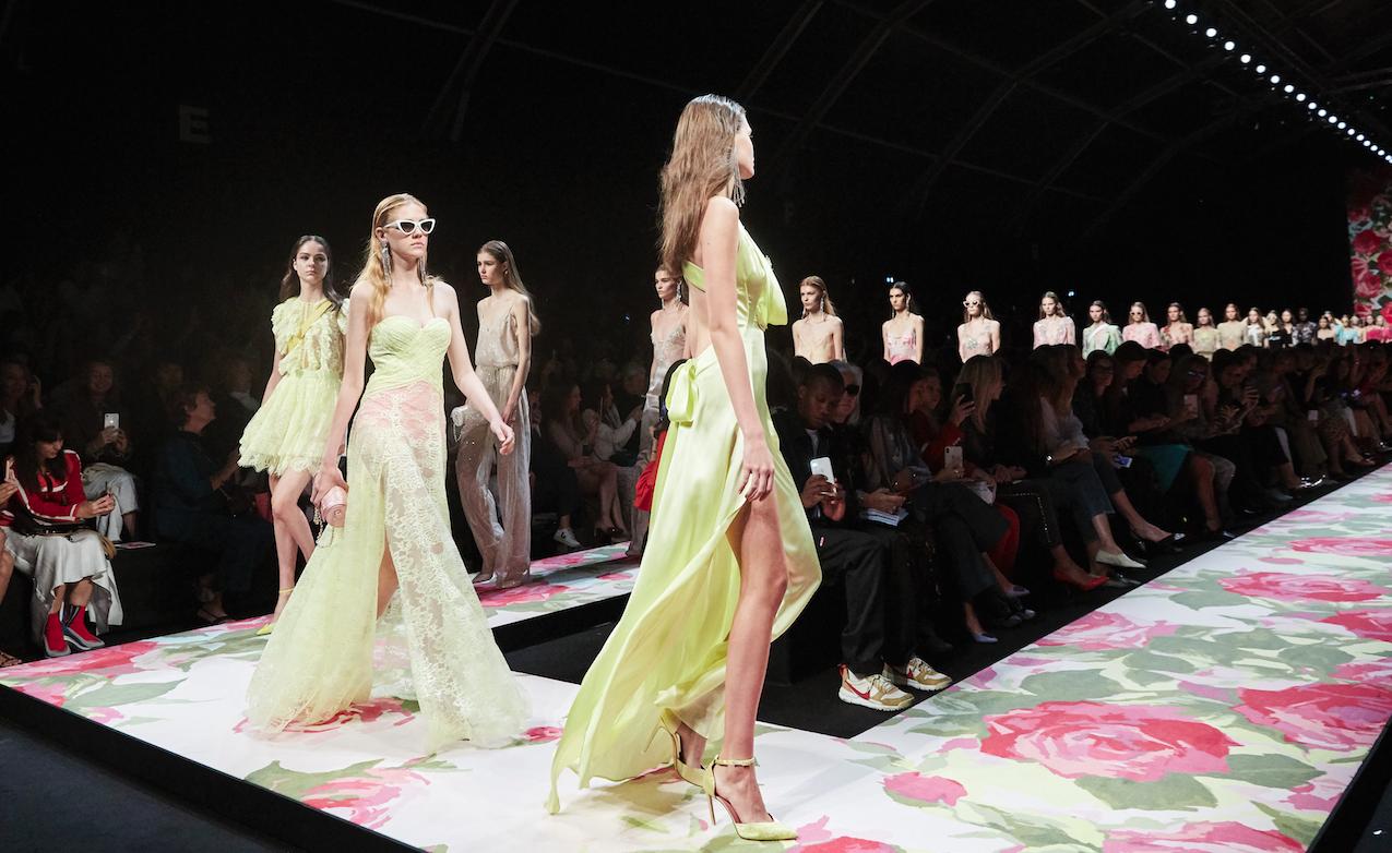 fashion-week:-il-calendario-delle-sfilate-di-milano,-londra,-parigi-e-new-york